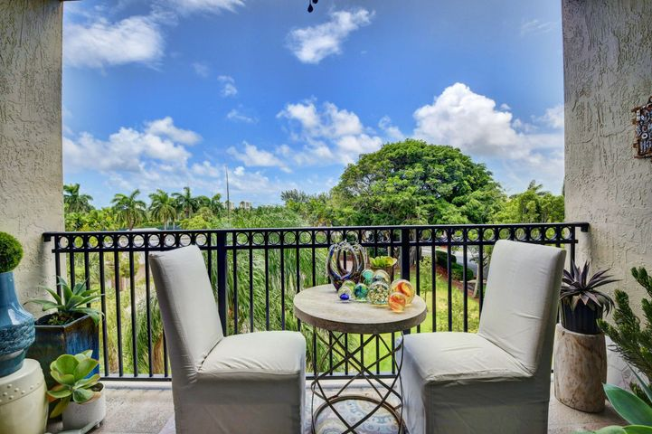 27 Royal Palm Way, 404, Boca Raton, FL 33432