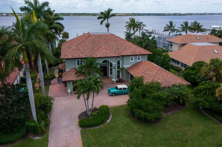 2362 NW Bay Colony Court, Stuart, FL 34994
