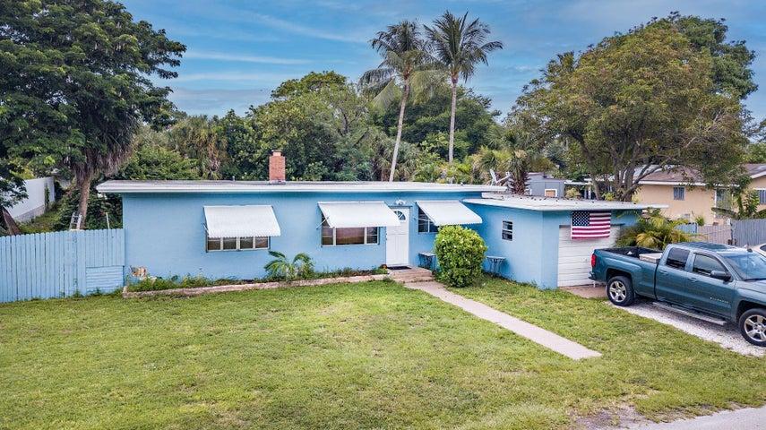 924 Summer Street, Lake Worth, FL 33461