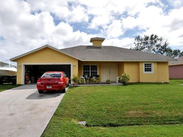 120 SW Grimaldo Terrace, Port Saint Lucie, FL 34984
