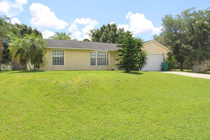 2533 SW Halissee Street, Port Saint Lucie, FL 34953