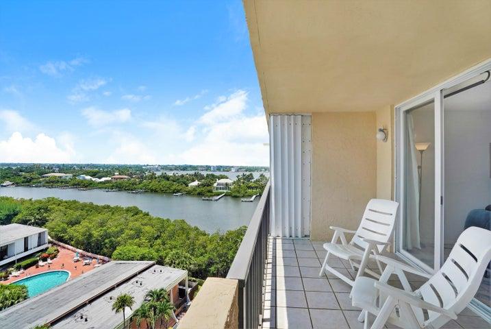 3581 S Ocean Boulevard, 9b, South Palm Beach, FL 33480