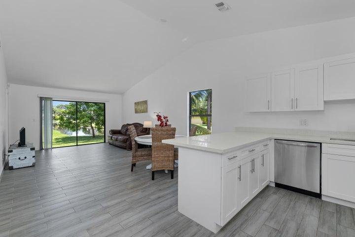 1200 Hyacinth Place, Wellington, FL 33414
