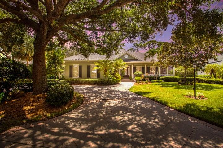 1070 Carolina Circle SW, Vero Beach, FL 32962