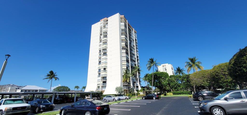 2400 Presidential Way, 202, West Palm Beach, FL 33401