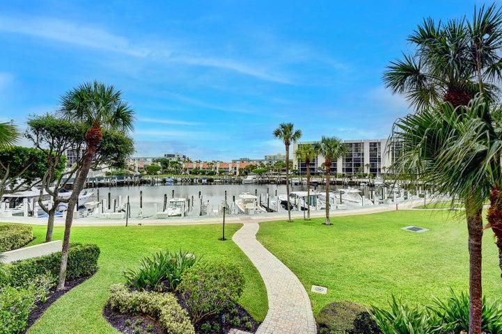 2707 N Ocean Boulevard, D202, Boca Raton, FL 33431