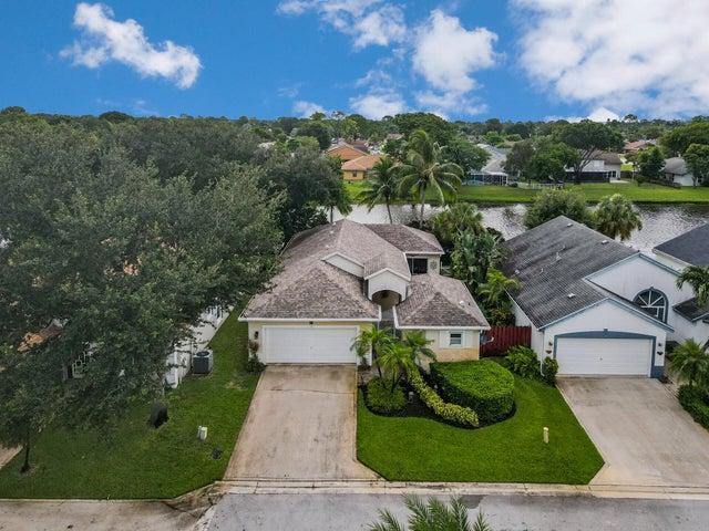 116 Stirrup Lane, Royal Palm Beach, FL 33411