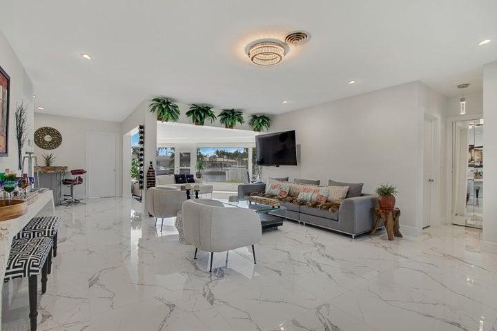 460 SE 16th Avenue, Pompano Beach, FL 33060