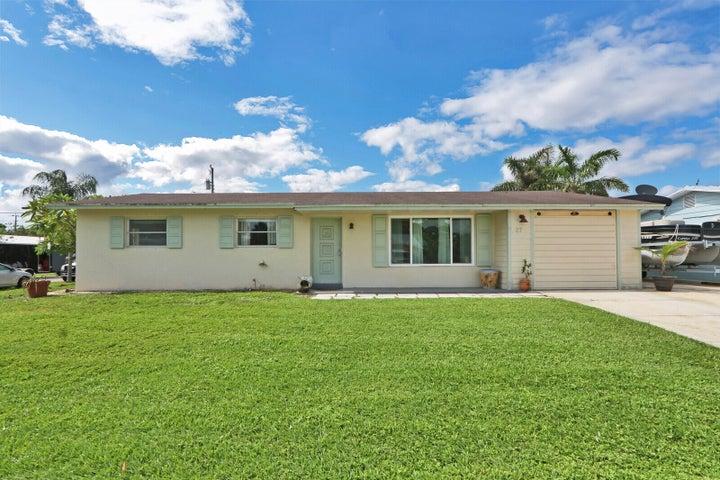 27 Ridgewood Circle, Tequesta, FL 33469