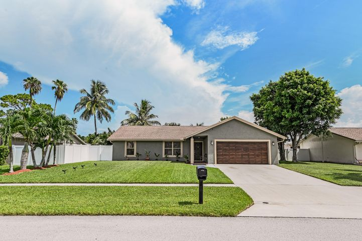 109 Madrid Street, Royal Palm Beach, FL 33411