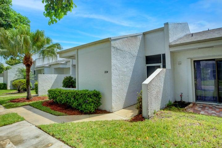 224 Par Drive, Royal Palm Beach, FL 33411