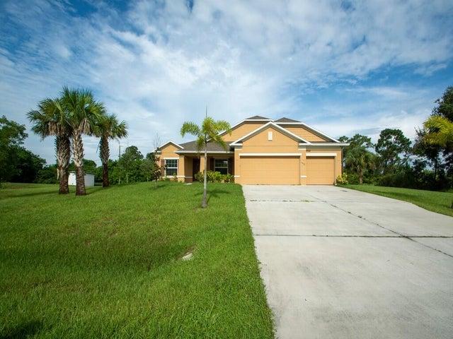 1472 Schumann Drive, Sebastian, FL 32958