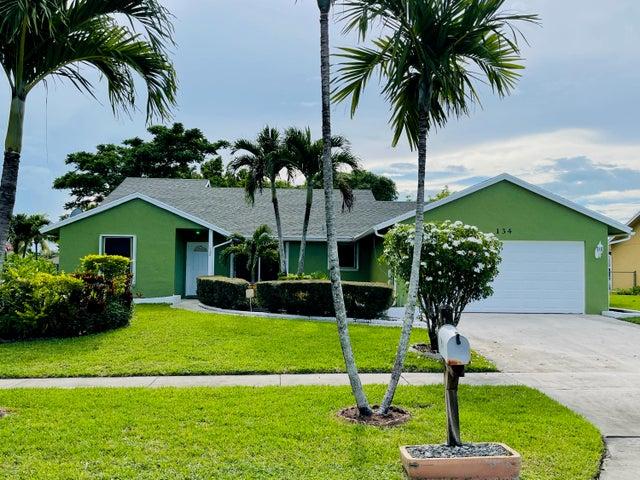 134 Martin Circle, Royal Palm Beach, FL 33411