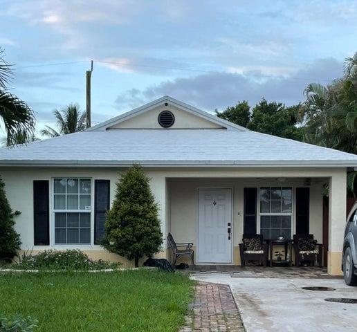 1056 Peak Road, Lake Worth, FL 33462