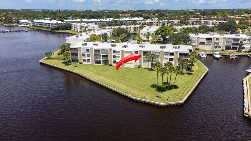 1950 SW Palm City Road, 13-303, Stuart, FL 34994
