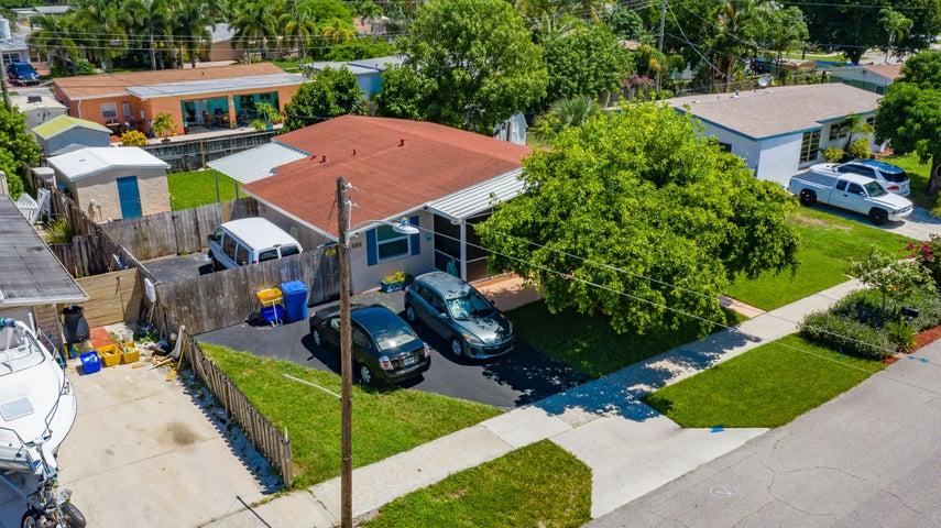 899 W Perry Street, Lantana, FL 33462