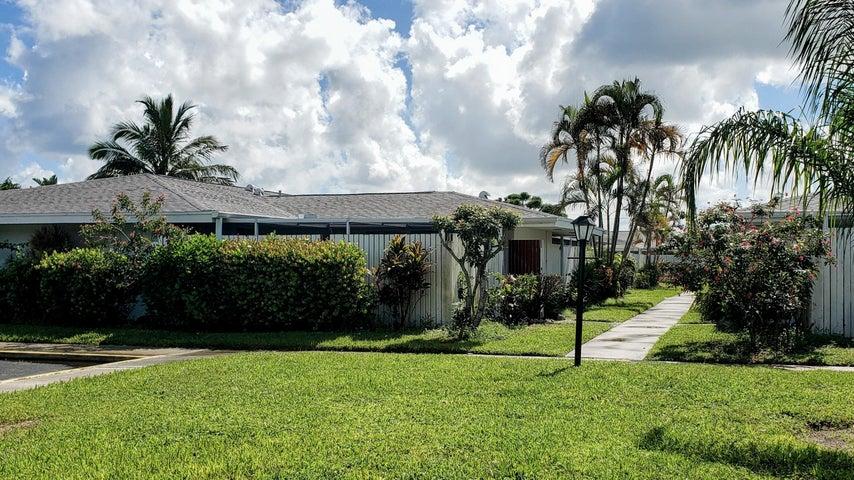 124 West Court, Royal Palm Beach, FL 33411
