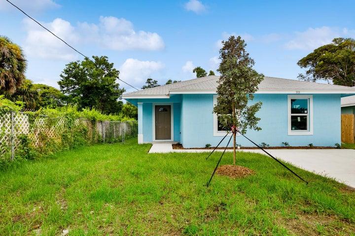 3115 Pinewood Avenue, West Palm Beach, FL 33407