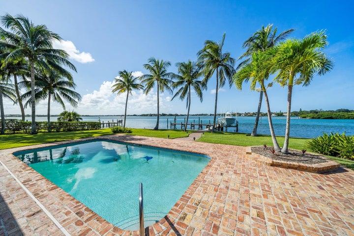 962 Dolphin Court, Jupiter, FL 33458