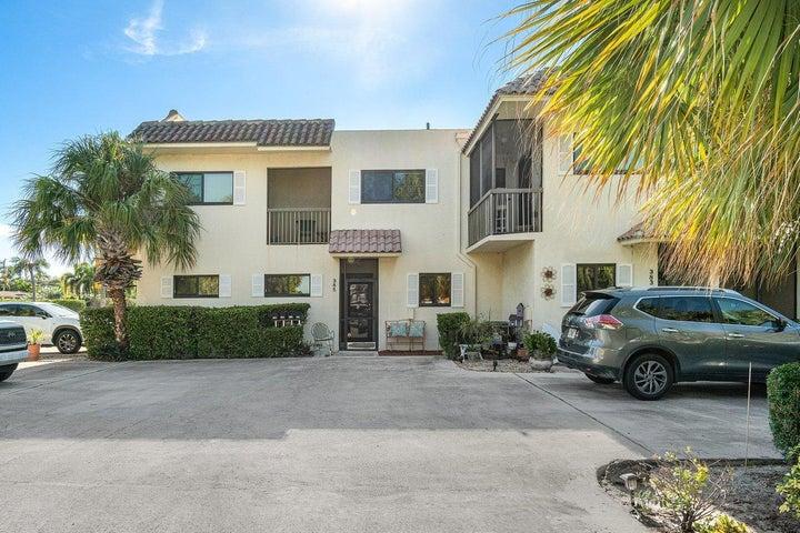 385 SE 17th Avenue, Deerfield Beach, FL 33441