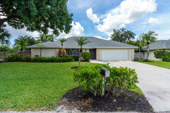 4142 Cottonwood Avenue, Palm Beach Gardens, FL 33410