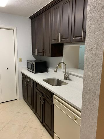 927 Riverside Drive, 336, Coral Springs, FL 33071