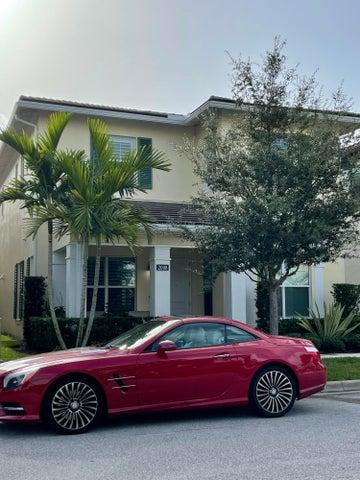 2098 Dickens Terrace, Palm Beach Gardens, FL 33418
