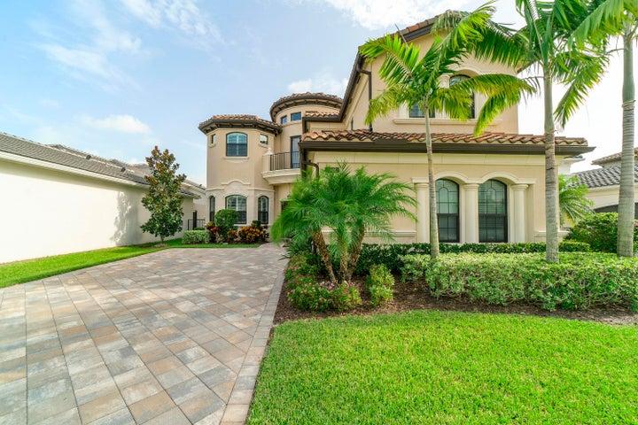 9814 Vitrail Lane, Delray Beach, FL 33446