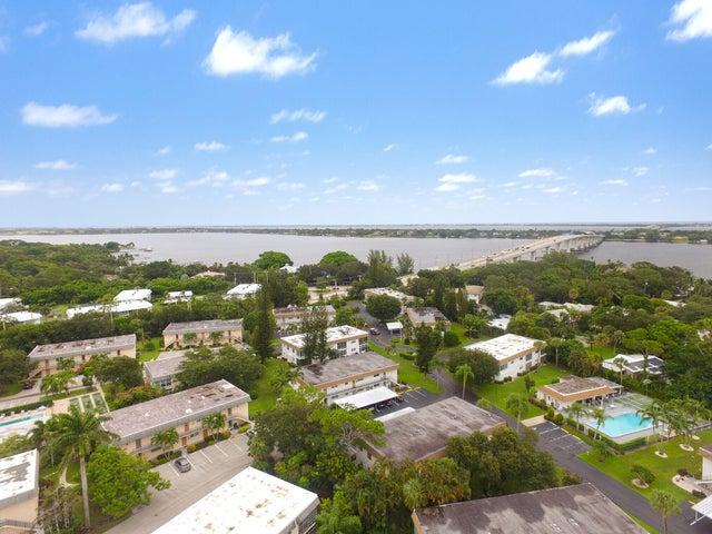 2950 SE Ocean Boulevard, 401, Stuart, FL 34996