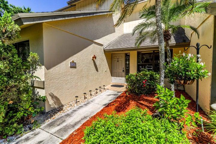9262 Ketay Circle, Boca Raton, FL 33428