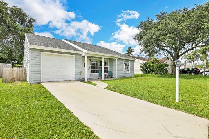 7803 Blairwood Circle N, Lake Worth, FL 33467