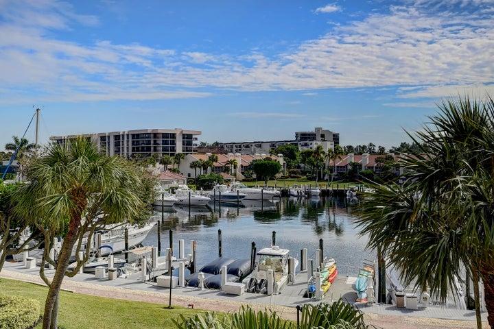 2707 N Ocean Boulevard, D304, Boca Raton, FL 33431