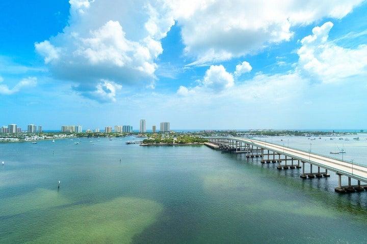 2640 Lake Shore Drive, 1411, Riviera Beach, FL 33404