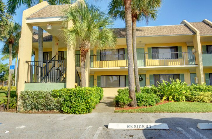 1501 Meadows Circle W, 1501, Boynton Beach, FL 33436