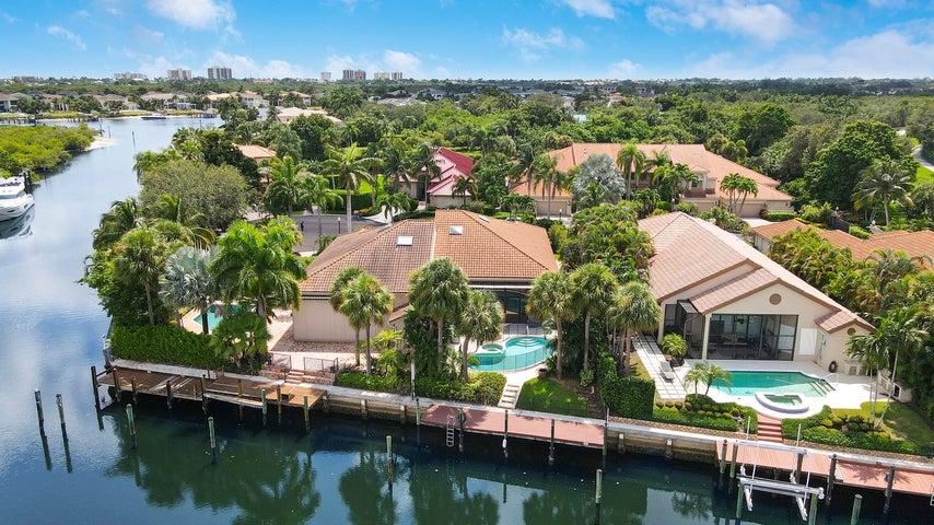 2040 La Porte Drive, Palm Beach Gardens, FL 33410