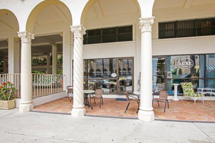 235 Sunrise Avenue, Cm 5, Palm Beach, FL 33480