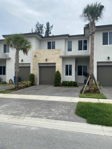 1340 Pioneer Way, Royal Palm Beach, FL 33411