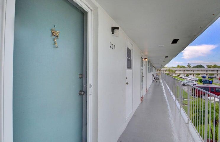 1117 Lake Terrace, 207, Boynton Beach, FL 33436