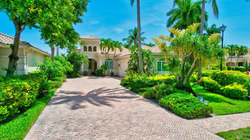 32 Island Drive, Boynton Beach, FL 33436