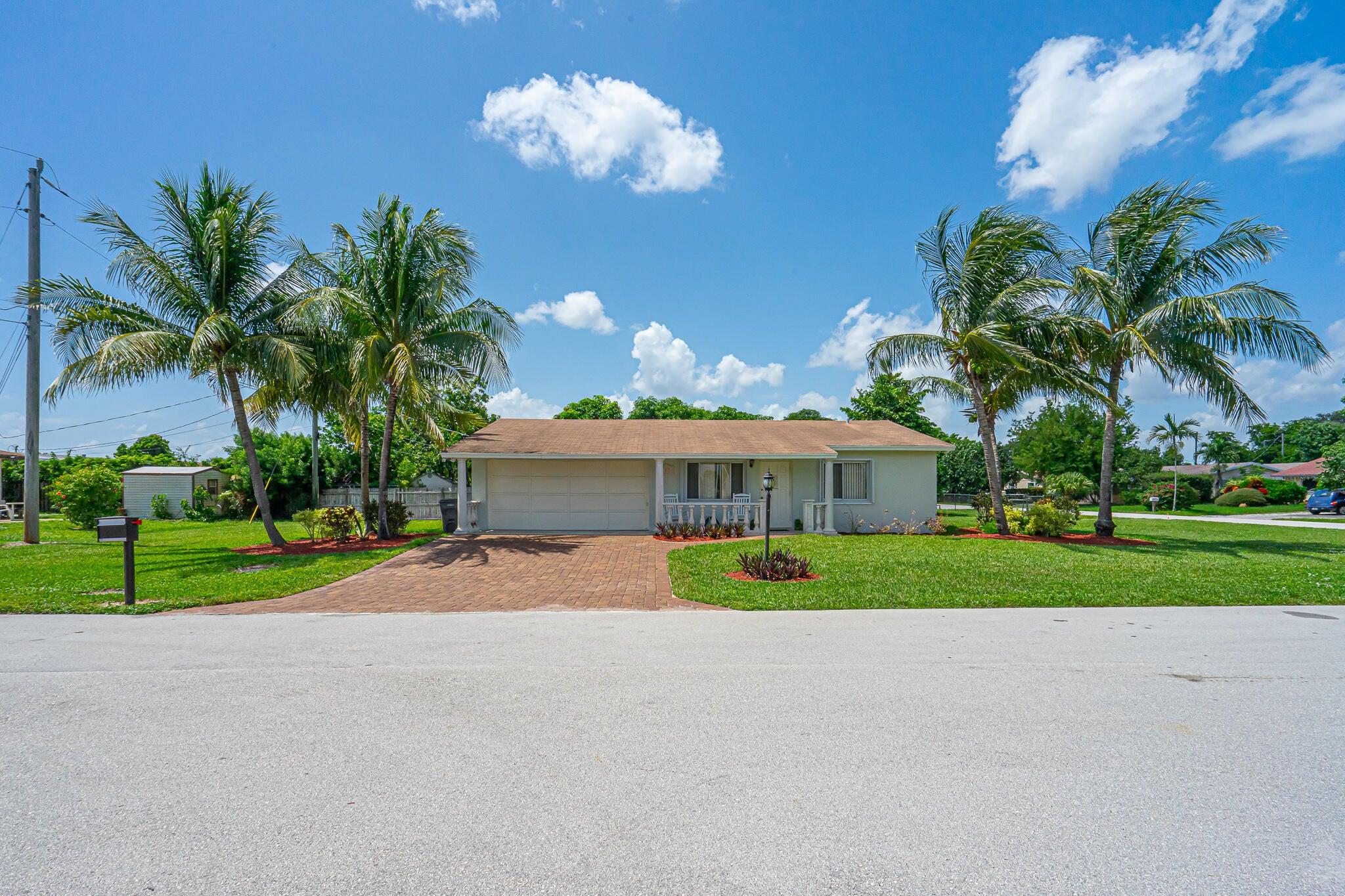 797 Flamango Court W, West Palm Beach, FL 33406