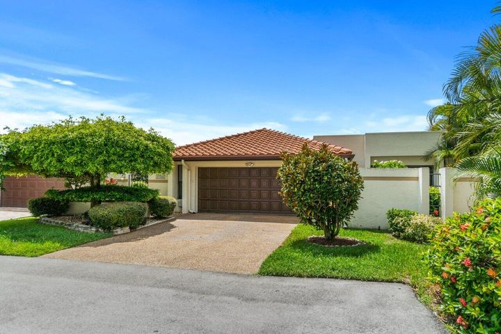 21525 Laguna Drive, Boca Raton, FL 33433