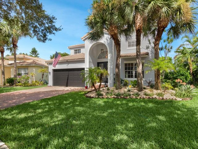 215 Seminole Lakes Drive, Royal Palm Beach, FL 33411