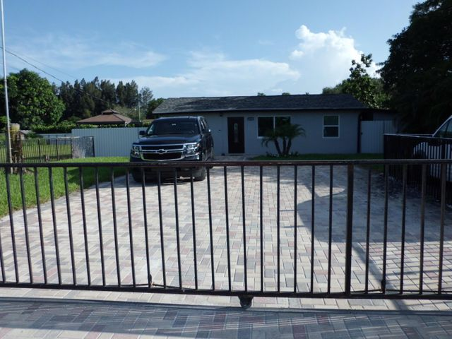 6418 Alexander Road, West Palm Beach, FL 33413