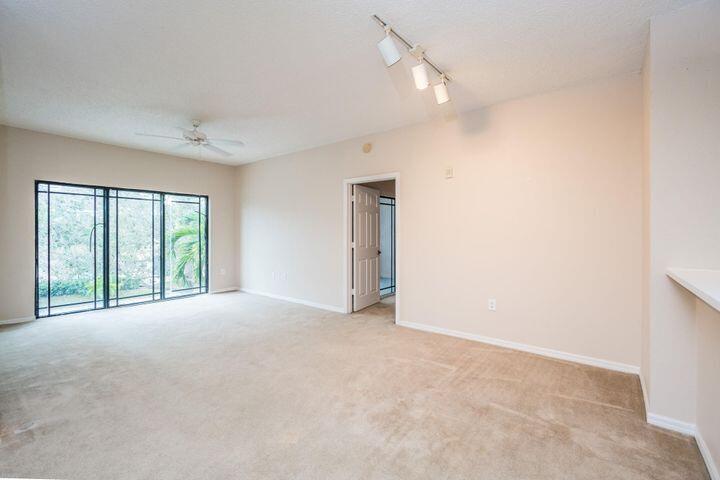 2803 Sarento Place, 106, Palm Beach Gardens, FL 33410
