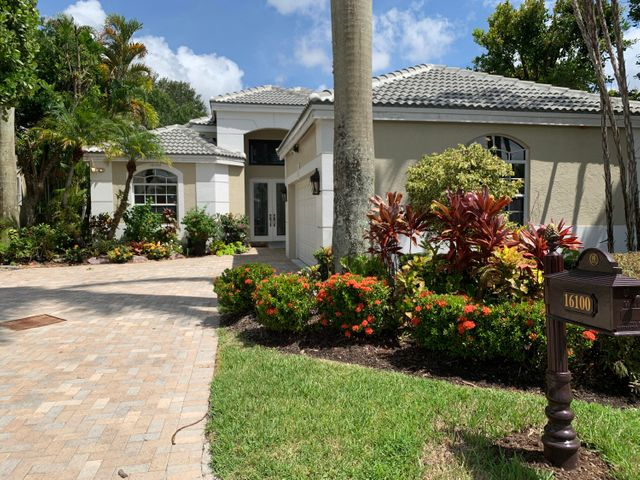16100 Villa Vizcaya Place, Delray Beach, FL 33446
