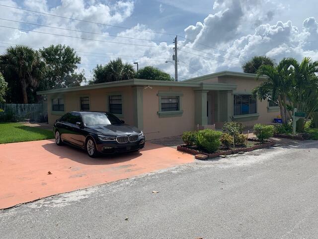 230 Seacrest Lane, Delray Beach, FL 33444