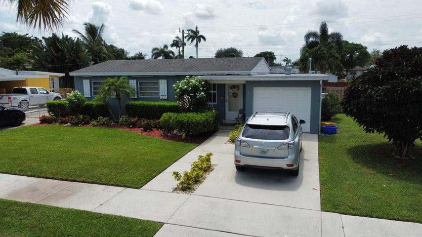 321 Mid Pines Road, Palm Springs, FL 33461