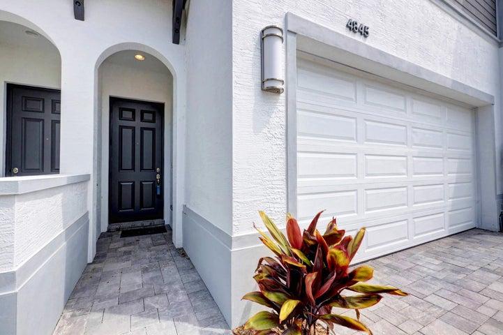 4845 Pointe Midtown Road, Palm Beach Gardens, FL 33418