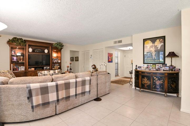 6878 NW Willow Wood Drive, 303, Boca Raton, FL 33434