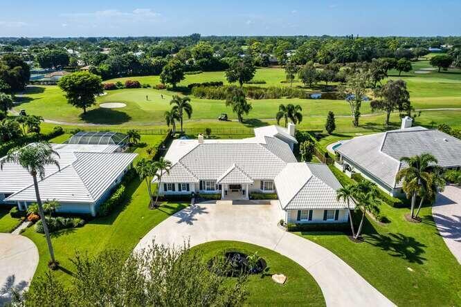 Premium Golf front location